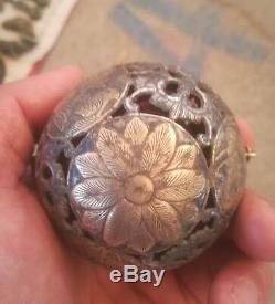 Chinese gilt silver balls hand carved flower&Bird vein spice balls spinning ball
