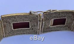 Bracelet Ancien Avec Panneau En Bois Sculpté Et Laque Cinabre Rouge Antique Chinois
