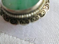 Broche Antique Chinoise De Filigrane D'argent Découpée De Jade