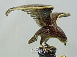 Chine Grand Argent À L'exportation Dore Emaille Statue Eagle Ecureuil Figurine Chine