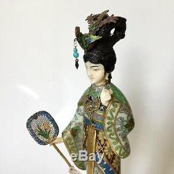 Figure De Femme Cloisonnée Chinoise Du Début Du Xxe Siècle Avec Argent Sterling Doré