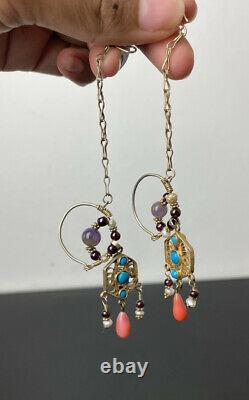 Paire D'anciennes Boucles D'oreilles En Guillotine Orientale Chinoise De Corail Turquoise