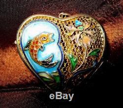 Pendentif Médaillon En Forme De Coeur En Forme De Coeur De Poisson Floral En Émail Turquoise Avec Turquoises