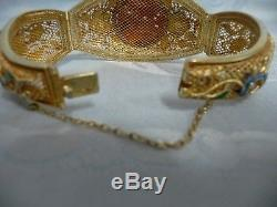 Très Beau Bracelet En Émail Filigré Chinois D'or Chinois D'occasion Avec Corail Carré