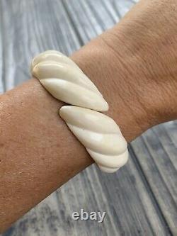 Vintage Crème Sculptée Celluloïde Hinged Clamper Bracelet Chinois Gilt Argent